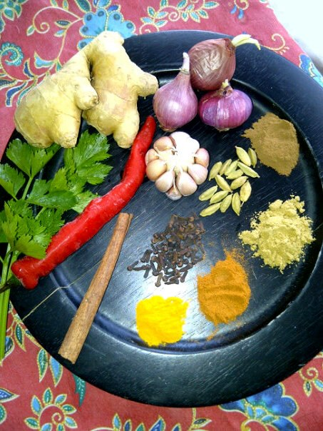 A Dozen of Healthy Spices and Herbs to Help Healing and Detox